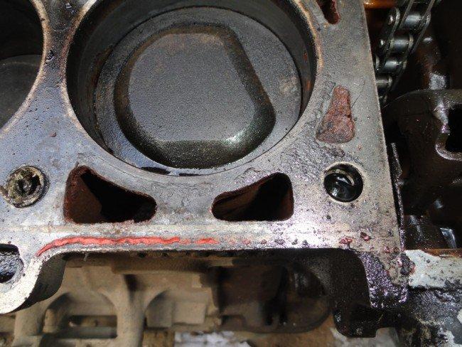 Трещины в блоках цилиндров двигателя BMW M10