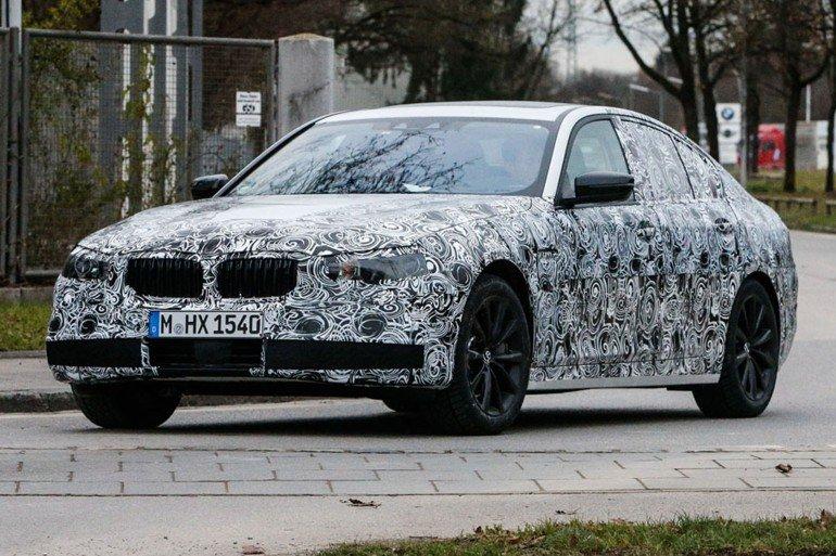 Новый BMW 5-й серии с двумя вариантами передней подвески