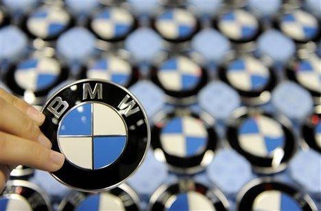 BMW осталась самой покупаемой премиальной маркой в 2014 году