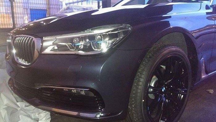 Появились изображения новой BMW 7