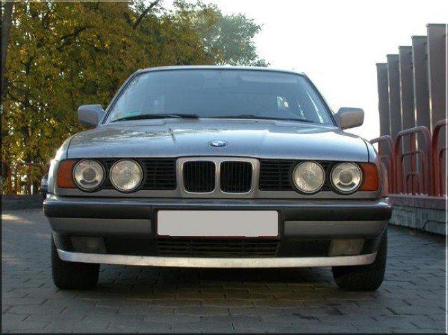 BMW 5-й серии E34 вид спереди