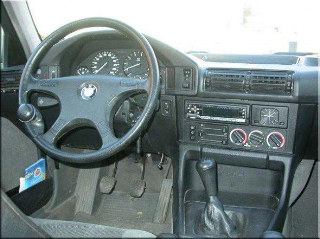 BMW 5-й серии E34 - вид с места водителя