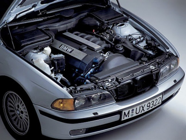 Двигатель автомобиля  BMW E39