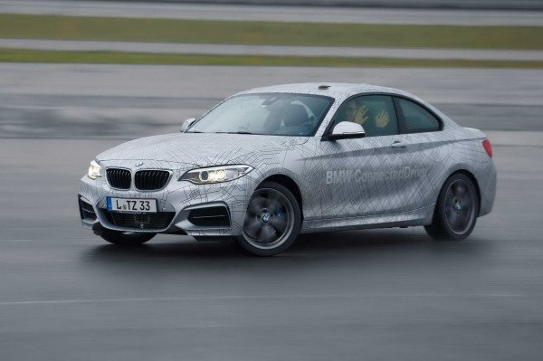 В будущем BMW наладит производство автомобилей с автопилотом