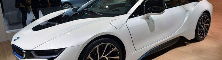 BMW i8 белый