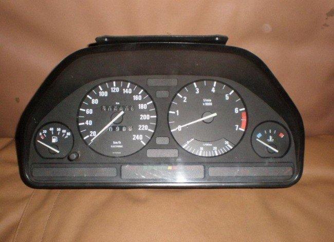 Приборная доска BMW E34