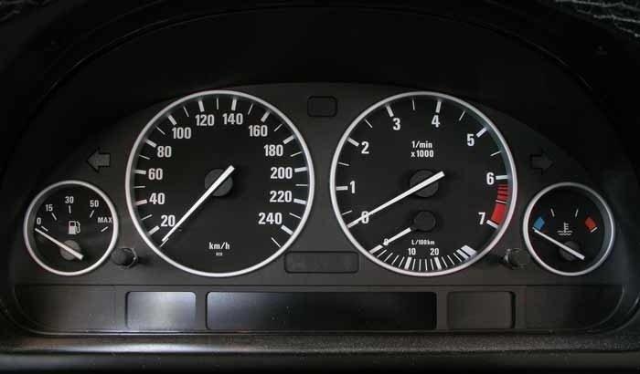 Возможные причины отказа работы спидометра BMW E39