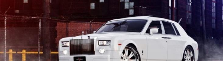 Rolls-Royce Phantom белого цвета