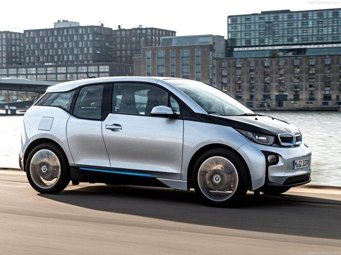 Новый гибрид BMW появится в 2018 году