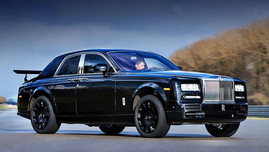 Показаны первые фото кроссовера Rolls-Royce