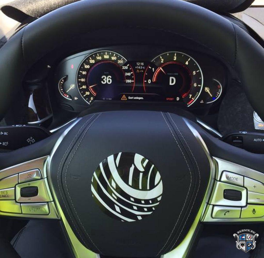 В сети появились снимки салона BMW 7 серии
