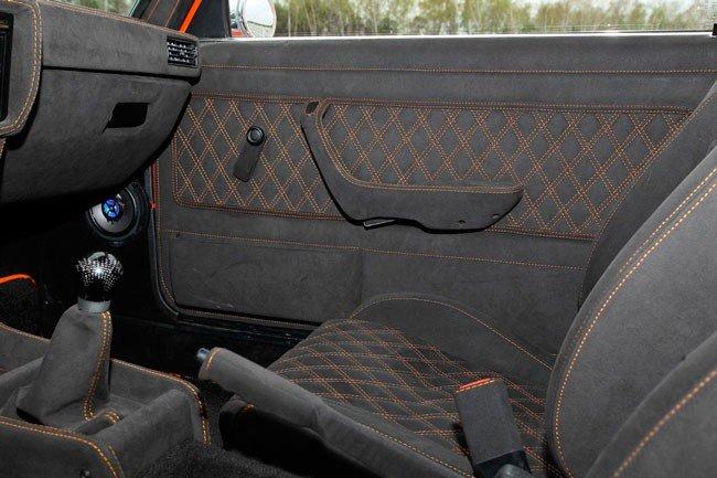 Обшивка алькантарой BMW E34