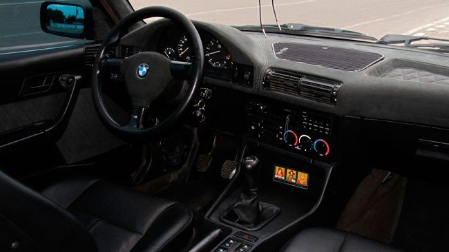 Перетягивание панели алькантарой, BMW E34