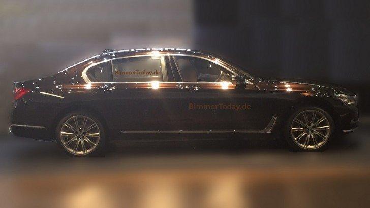 BMW 7-й серии сфотографирована шпионами без камуфляжа
