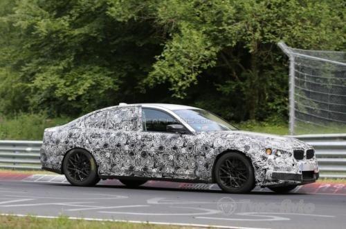 BMW M5 2017 года проходит испытания