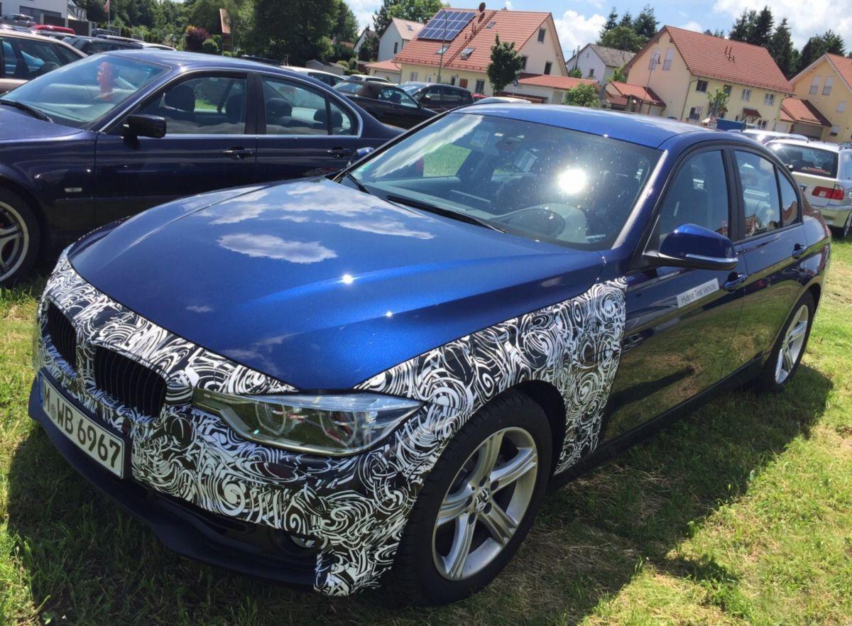 Гибридный BMW 330E на природе