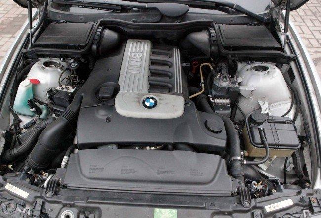 Вид двигателя BMWE39