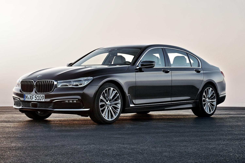 На обновлённую BMW «семёрку» предложат новый мотор
