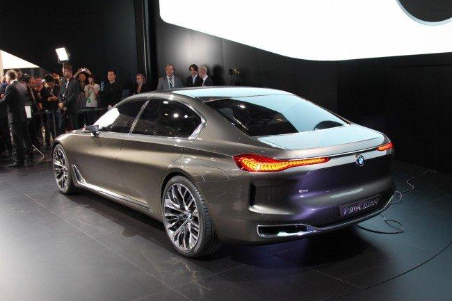 BMW 9-series, вид сзади