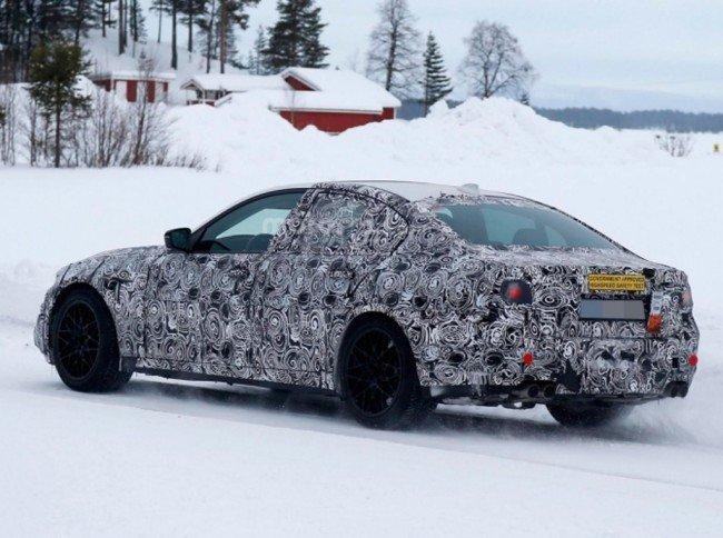 BMW M5, вид сбоку