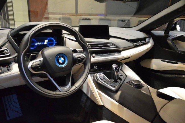 Салон BMW i8 от Abu Dhabi Motors