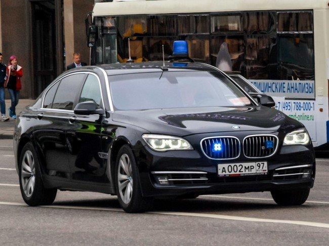 BMW 720d черного цвета